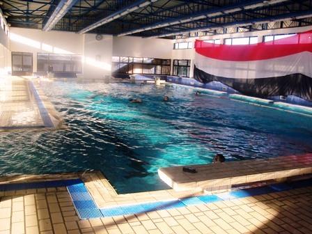 دورة تدريبية في السباحة لمدرسي التربية الرياضية في اللاذقية