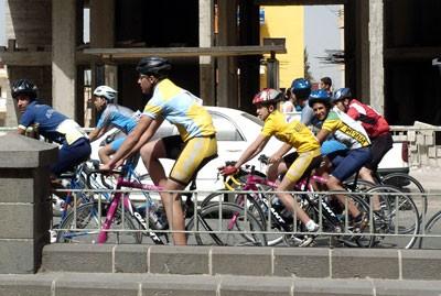 تفوق واضح لأبطال الدراجات في البطولات الدولية والذهب يزيّن صدورهم في لبنان وألمانيا وسويسرا