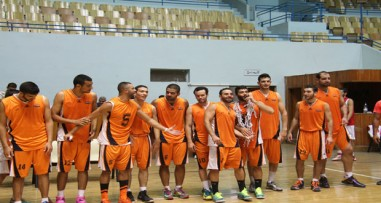 الوحدة يحقق فوزه الثالث في الدور الأول لبطولة كأس الجمهورية للرجال بكرة السلة