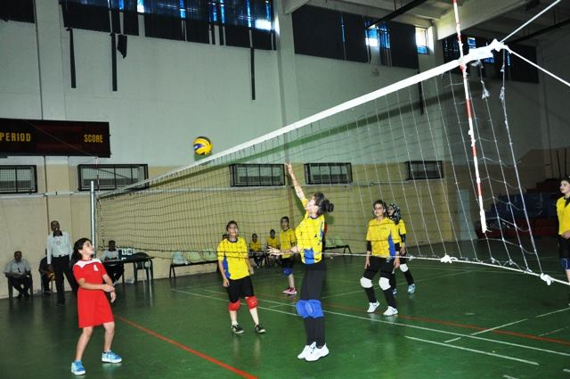 دورة تنسيب وترقية لمدربي كرة الطائرة في اللاذقية