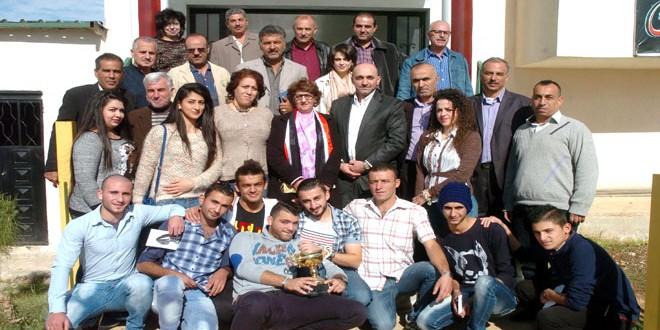 نادي العربي يكرم لاعبي ولاعبات العاب القوى لصعودهم للدرجة الأولى