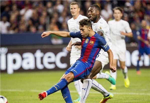 الفيفا يسمح للاتحاد المغربي باستدعاء لاعب برشلونة