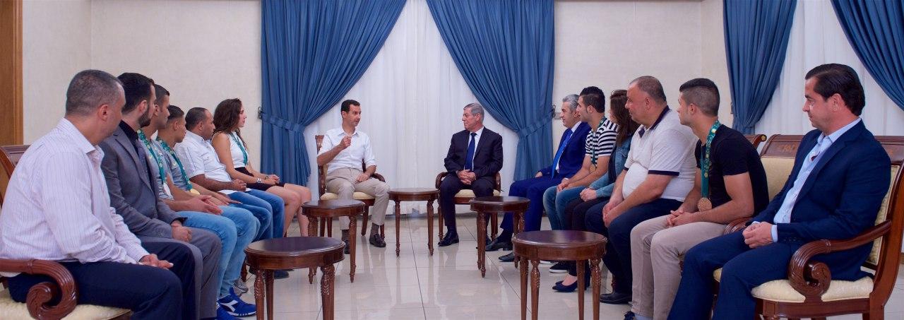 الرئيس الأسد يستقبل وفد الرياضيين الذين حققوا نتائج مميزة خلال دورة التضامن الإسلامي