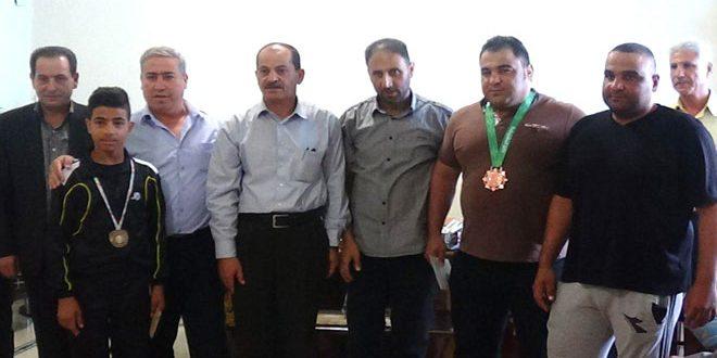 نادي عمال درعا يكرم المصارع الكراد لنيله برونزية آسيا