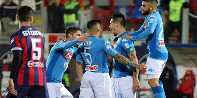نابولي يهزم كروتوني بهدف دون رد ويضمن صدارة الدوري الإيطالي