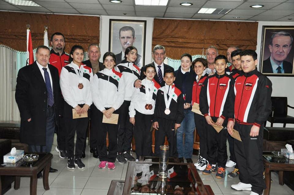 اللواء جمعة يكرّم منتخب كرة الطاولة الحاصل على ثلاث برونزيات في بطولة عُمان الدولية