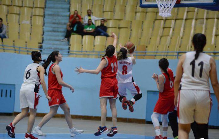 لقاء قمة بين الوحدة والثورة في دوري كرة سلة السيدات