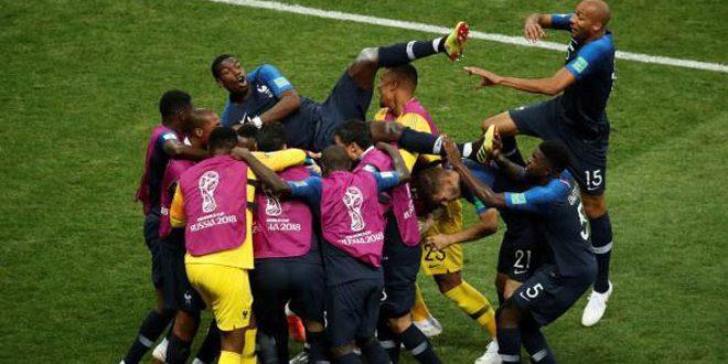 فرنسا تتوج ببطولة كأس العالم لكرة القدم بفوزها على كرواتيا