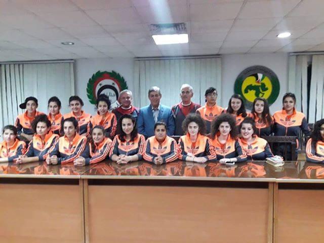اللواء جمعة يستقبل فريق سيدات نادي العربي بكرة القدم